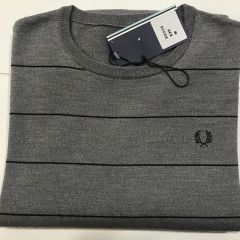 Jersey Cuello Redondo Fred Perry 100% Lana C-8443-836-GRIS-M