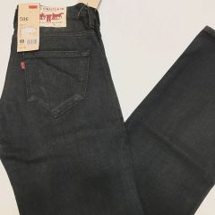 Pantalón Vaquero Negro Levis 506